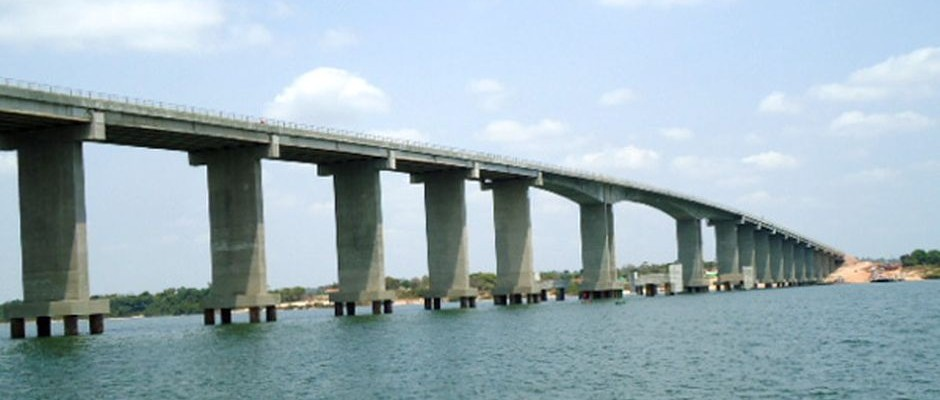 Obras Civis - Ponte sobre o Rio Araguaia - BR-230
